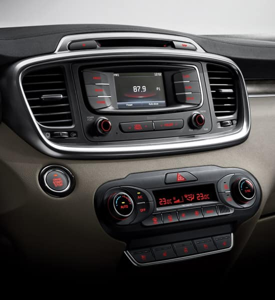 kia-new-sorento-wide-b-interior-02-w