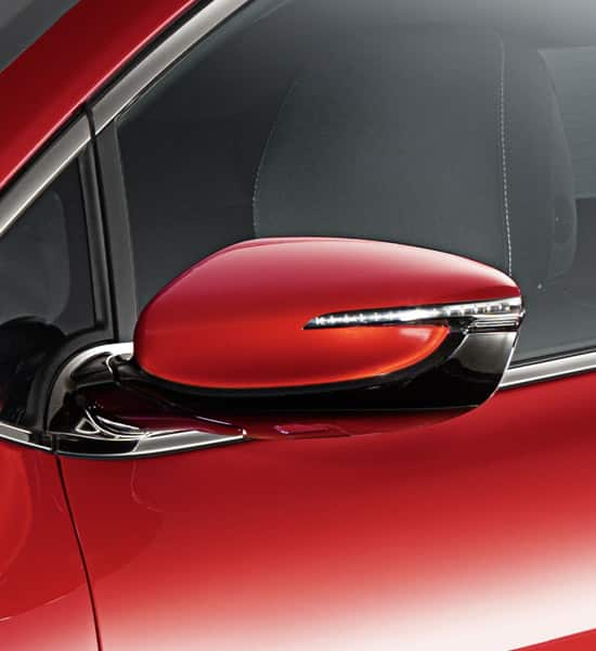 Side mirror with indicator