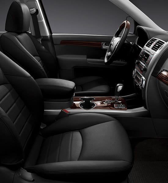 cr-sorento-wide-b-interior-16-w