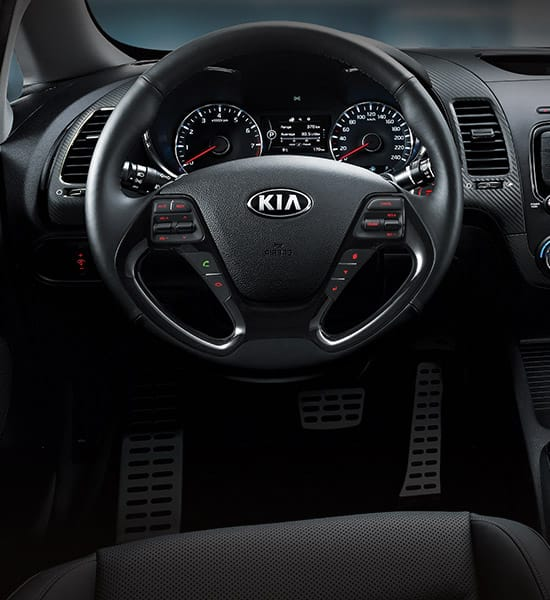 kia-cerato-forte-yd-5-door-wide-b-interior-08-w
