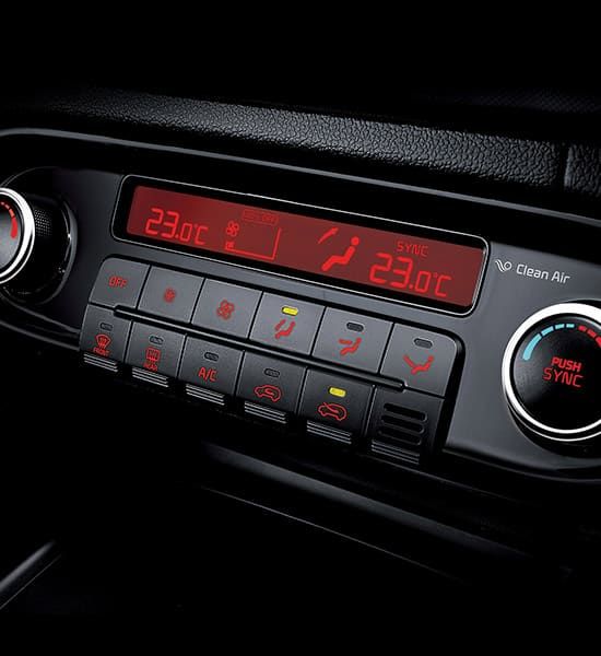 kia-carens-rondo-pe-wide-b-interior-06-w