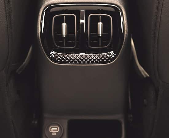 USB Chargers (Front console, 2nd Row)