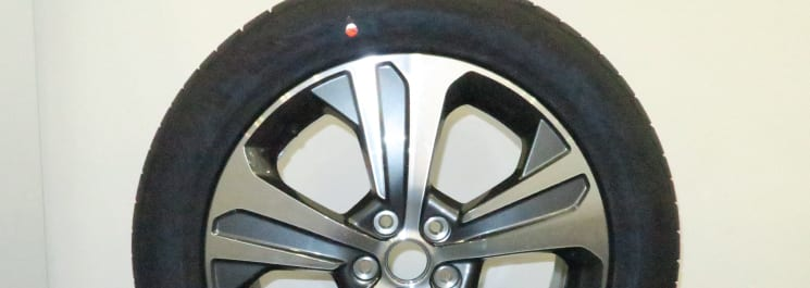 "SORENTO 19"" TIRE AND ALUMINUM WHEEL ASSY. (*TIRE PRESSURE SENSOR IS EXCLUDED)"