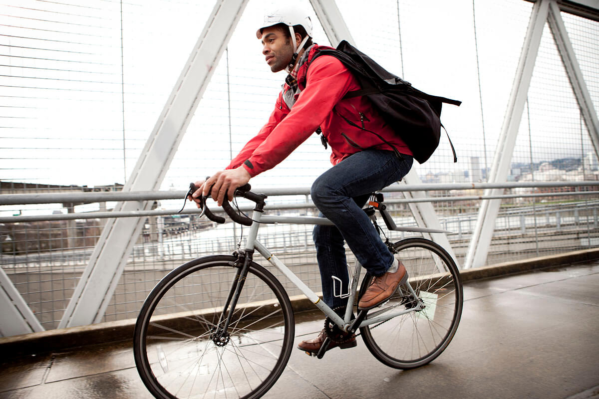 kia-urban-mobility-man-city-biking