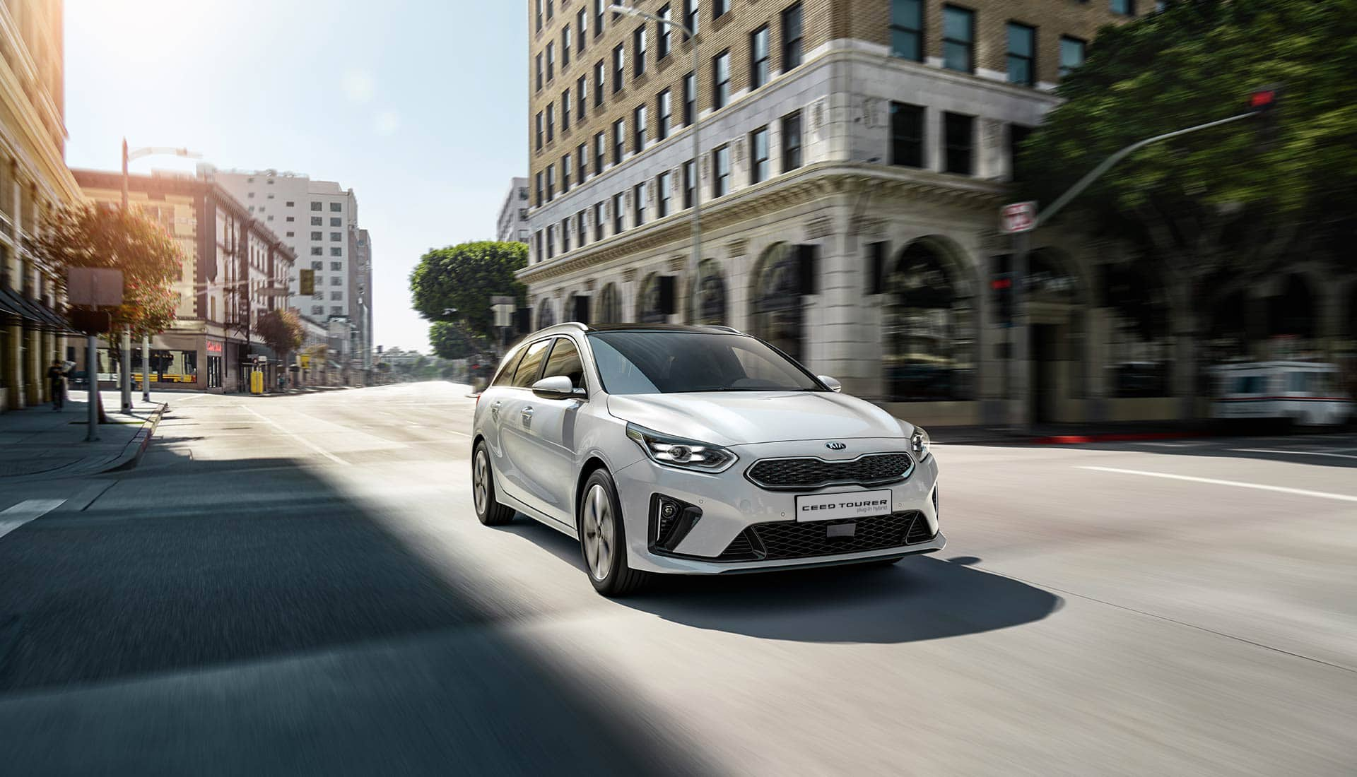 kia ceed tourer plug-in hybrid driving