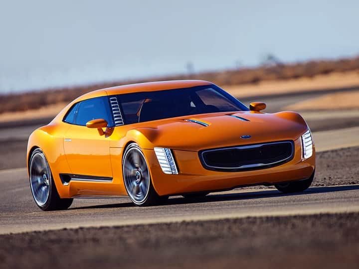 KIA GT4 STINGER CONCEPT fonte su strada close up