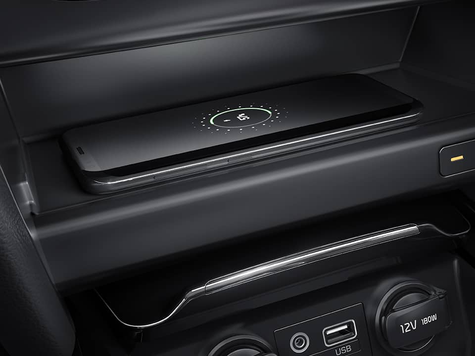 Kia Ceed GT wireless phone charger