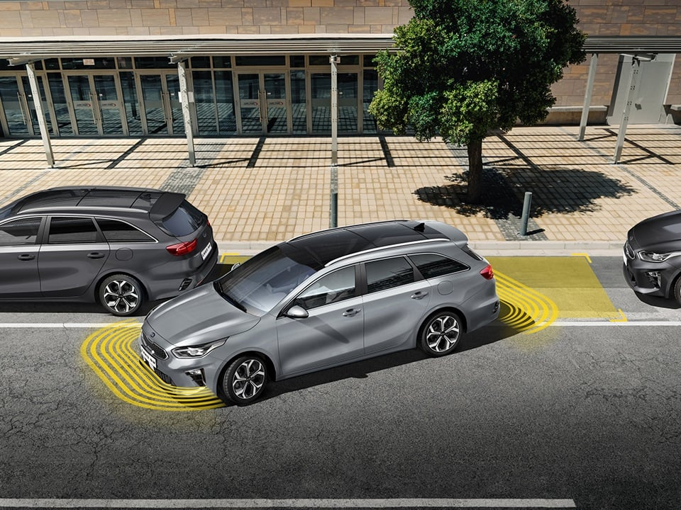 kia ceed sportswagon plug-in hybrid rear view camera and  parking guide with smart parking assist