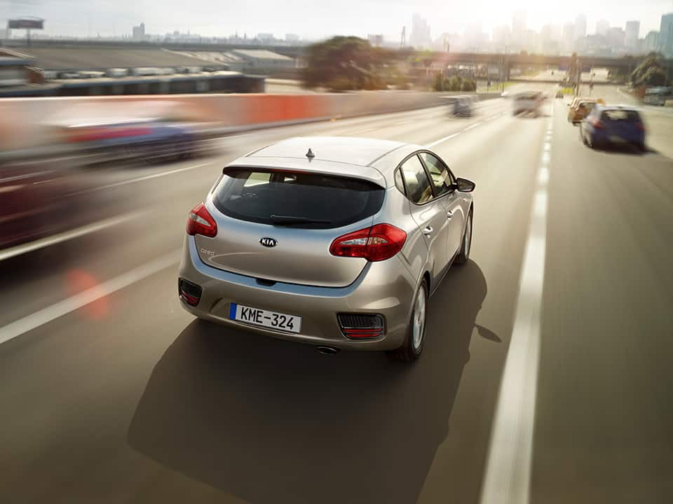 Kia cee'd outdoor driving
