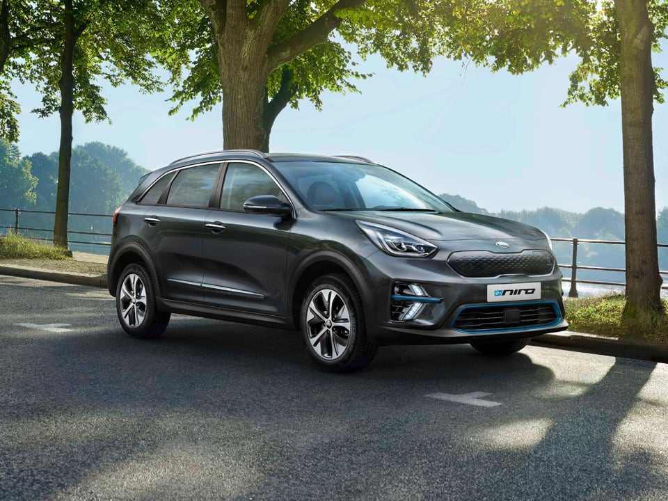 Kia e-Niro conduciendo