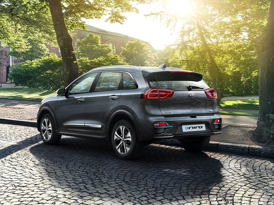 Kia e-Niro side view