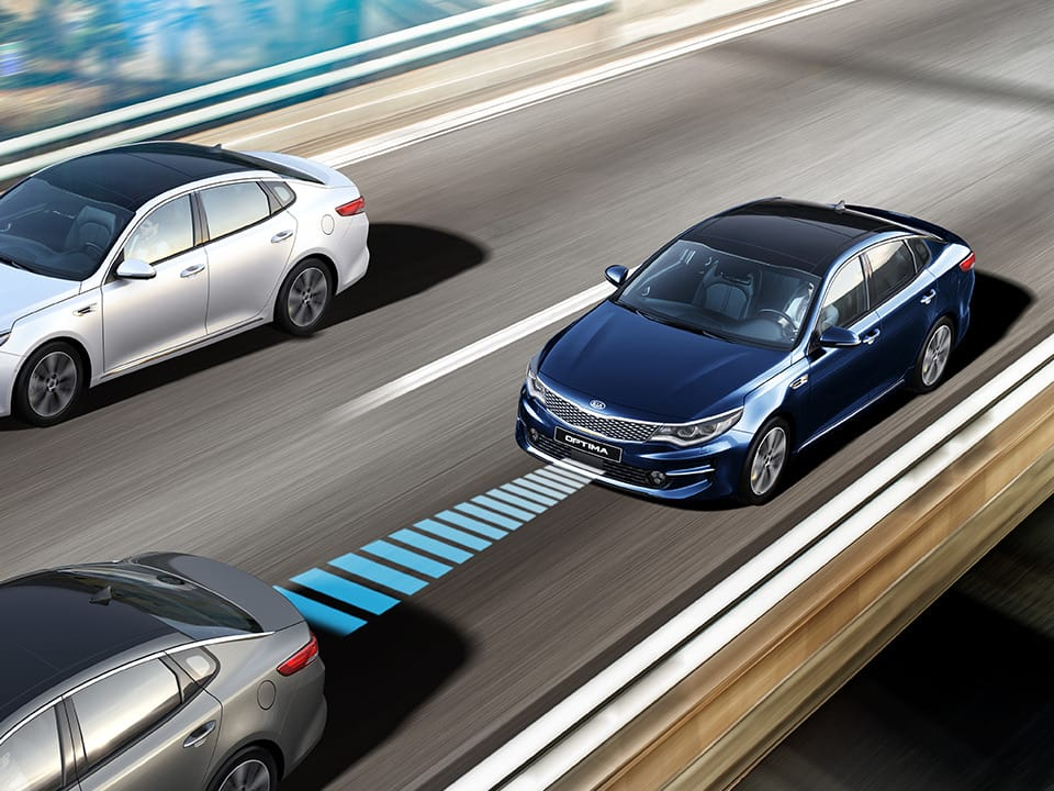 Le système Advanced Smart Cruise Control de la Kia Optima Plug-in Hybrid