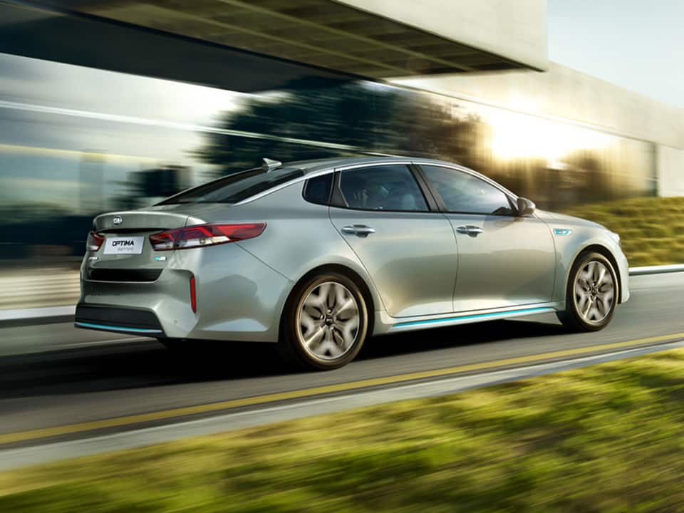 Kia Optima Plug-in Hybrid dynamic driving
