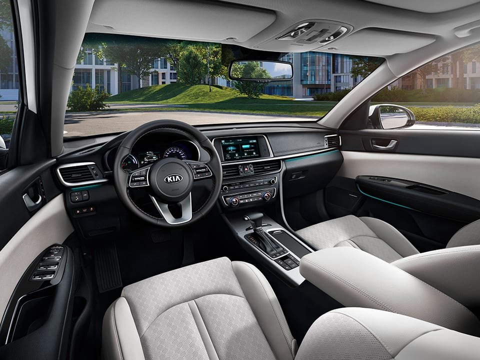Kia Optima Plug-in Hybrid interior design