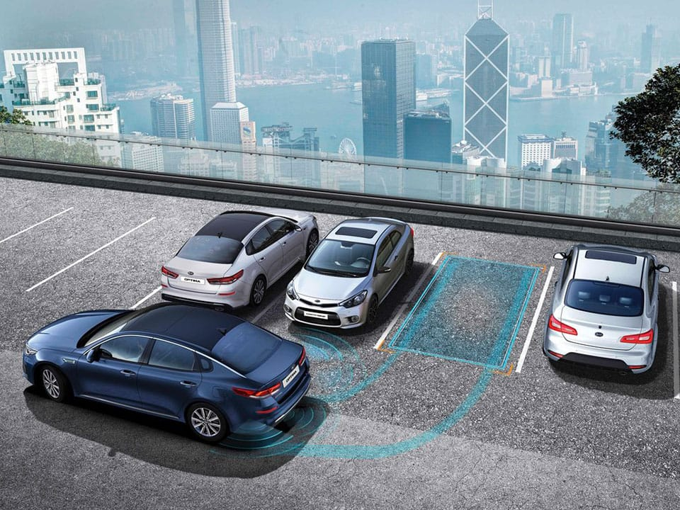 Kia Optima Plug-in Hybrid smart parking assist system