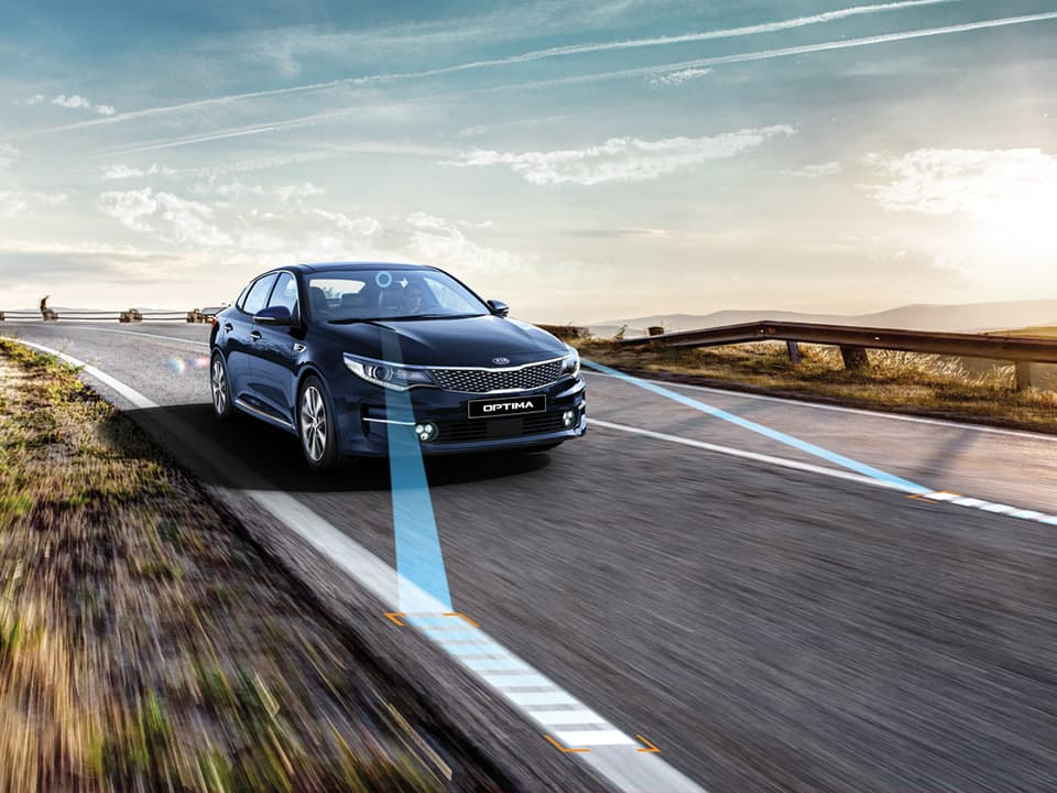 Kia Optima Plug-in Hybrid lane keeping assist system