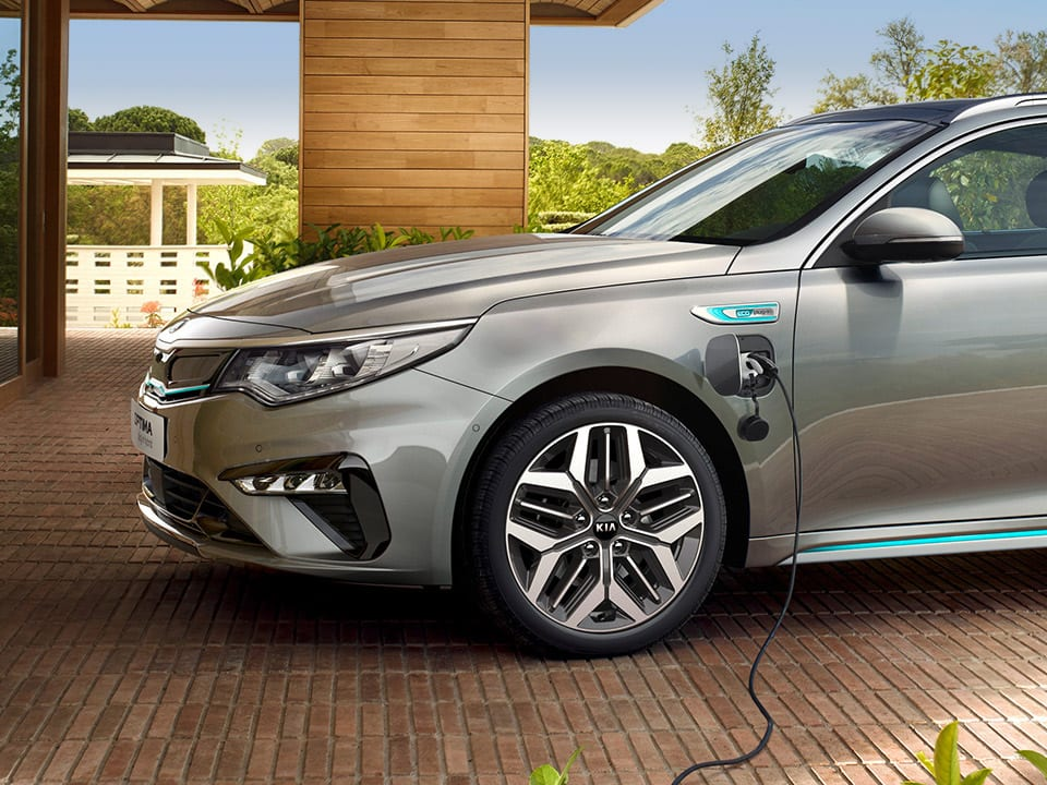 Kia Optima Sportswagon Plug-in Hybrid - Laden