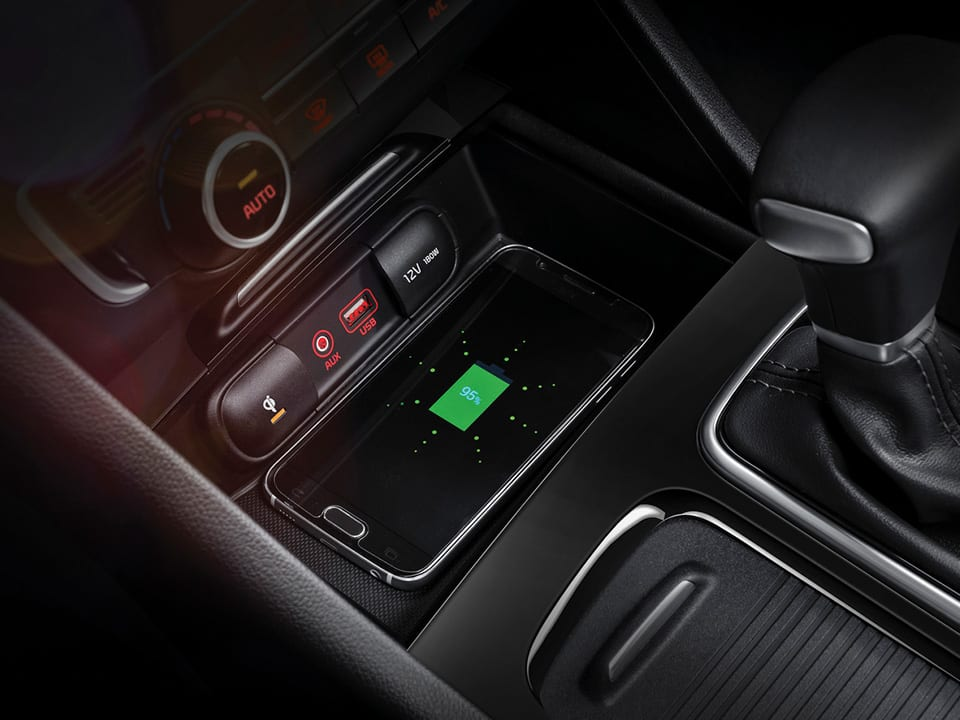 Kia Optima Sportswagon Plug-in Hybrid wireless phone charger