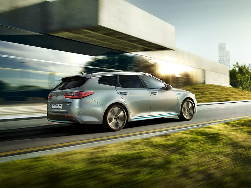 Conduite de la Kia Optima Sportswagon Plug-in Hybrid