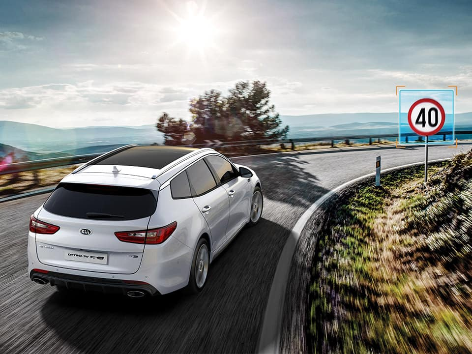 Kia Optima Sportswagon – speed limit information function