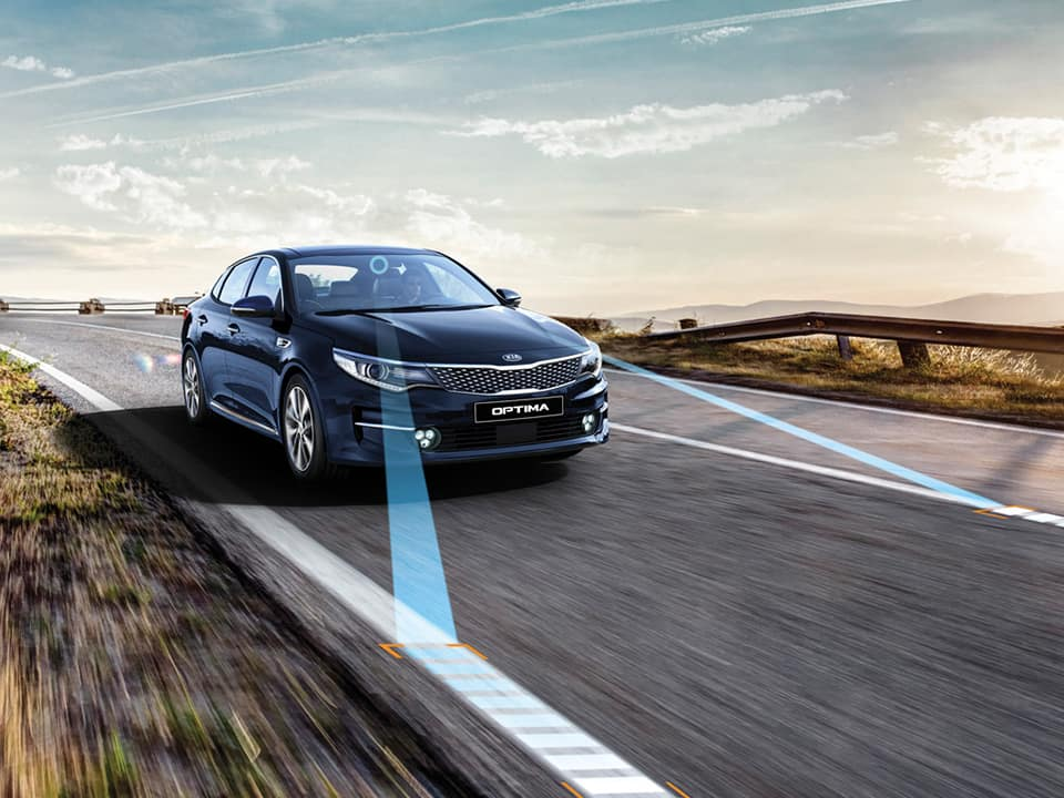 Kia Optima et son Assistance active au maintien de voie (LKAR)