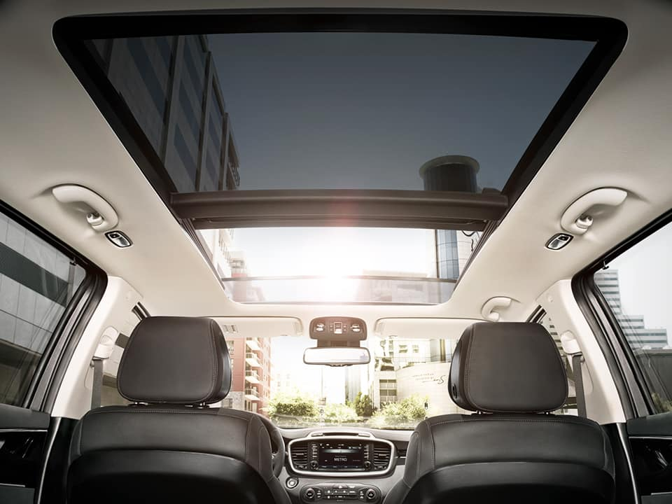 Kia Sorento panoramic sunroof