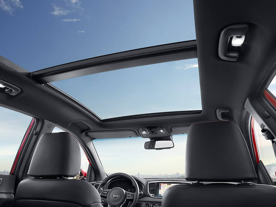 Kia Sportage panoramic sunroof