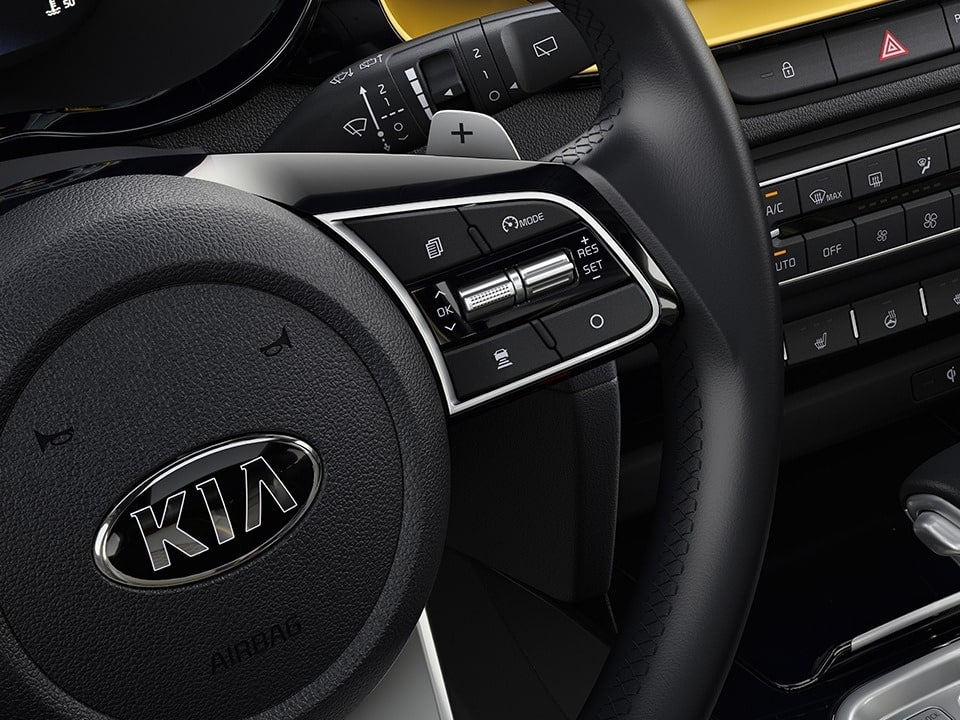 Kia XCeed with paddle shift levers