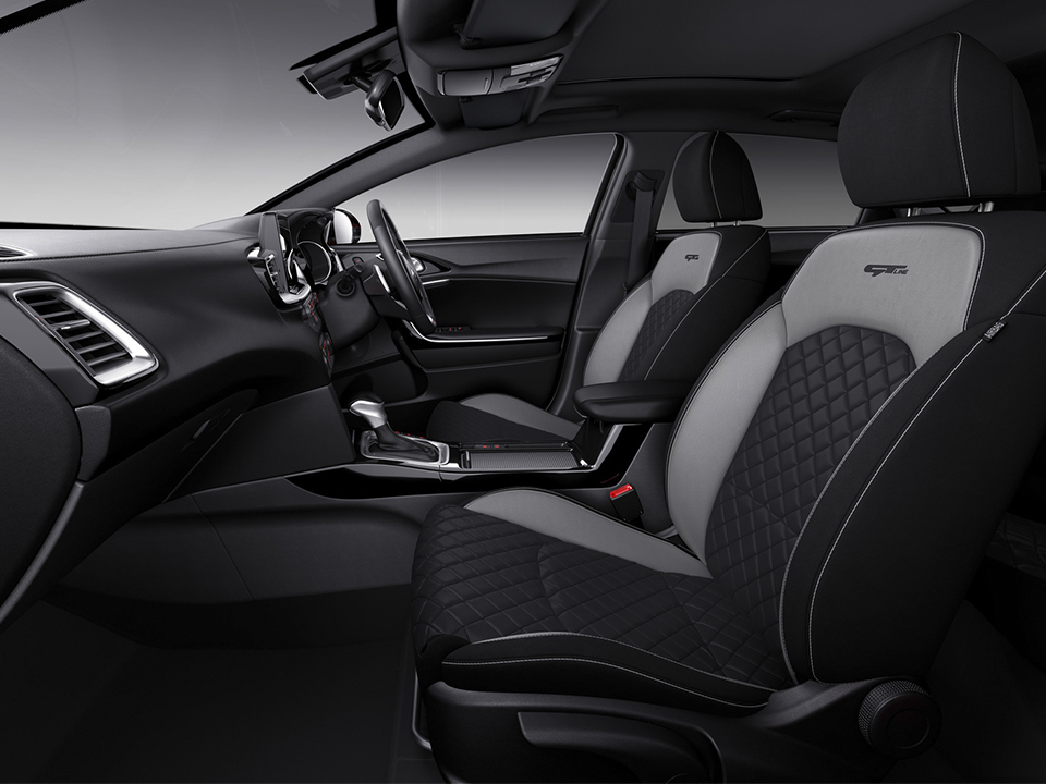 Kia ProCeed interior and instruments