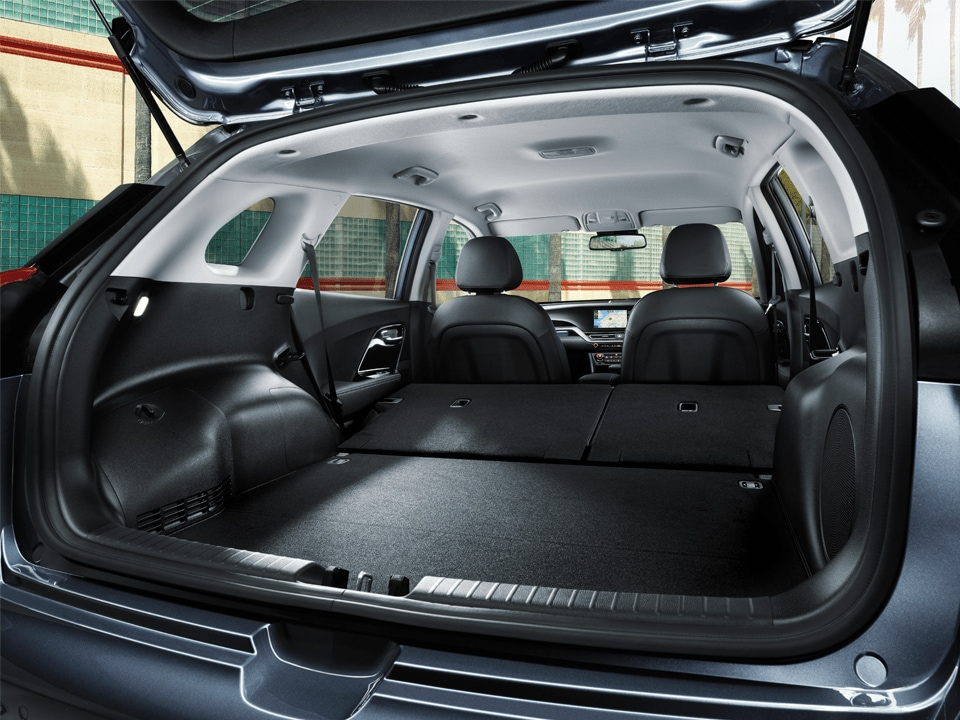 Niro PHEV boot space