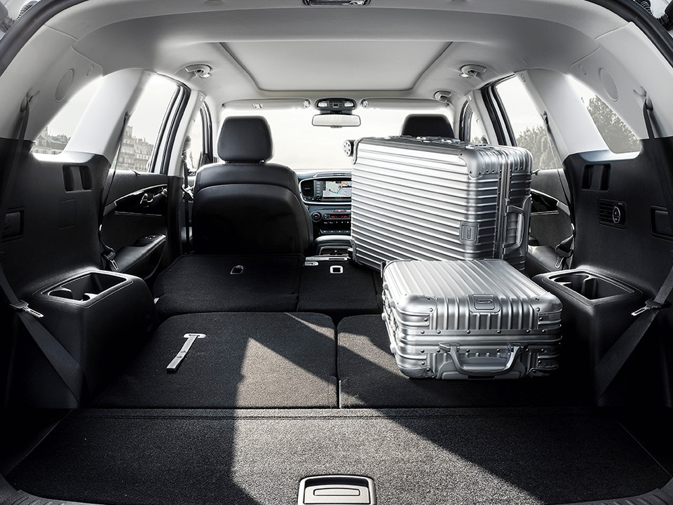 Kia Sorento folding second-row back seats