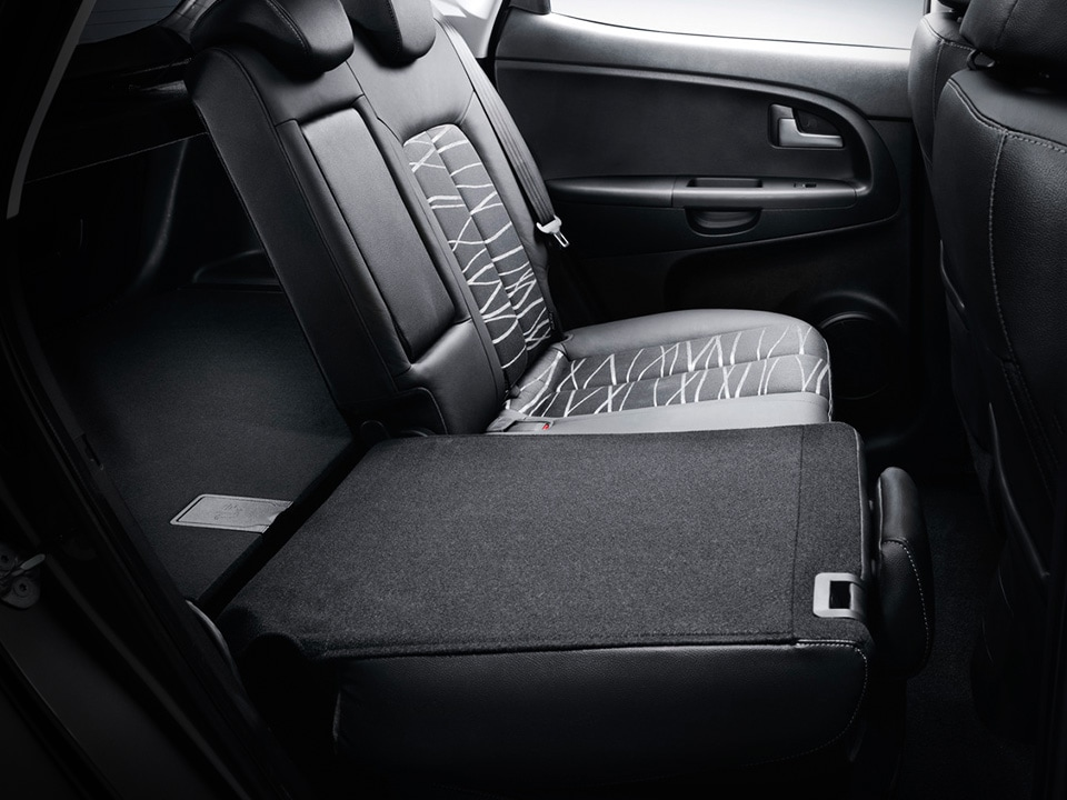 Kia Venga easy-folding rear seats