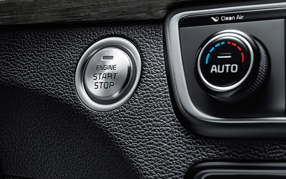 Smart Key w/ Push-Button Start in the 2019 Cadenza