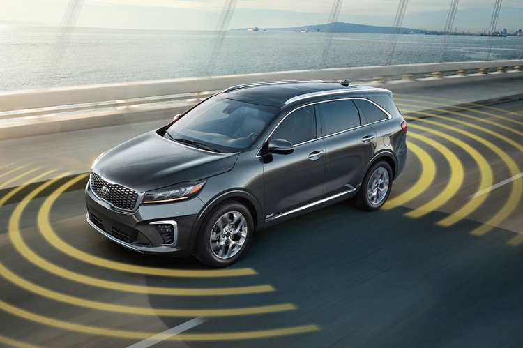 2019 Kia Sorento mid-size SUV driver assist technology