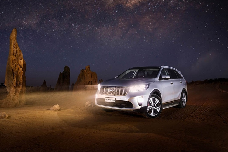 Projector beam headlights on the 2019 Kia Sorento SUV