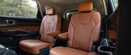 2021 Kia Sorento Interior Captain Chairs